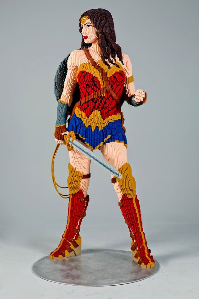 lego statua wonder woman (1)
