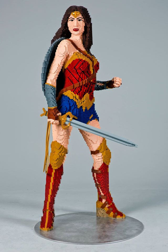 lego statua wonder woman (3)