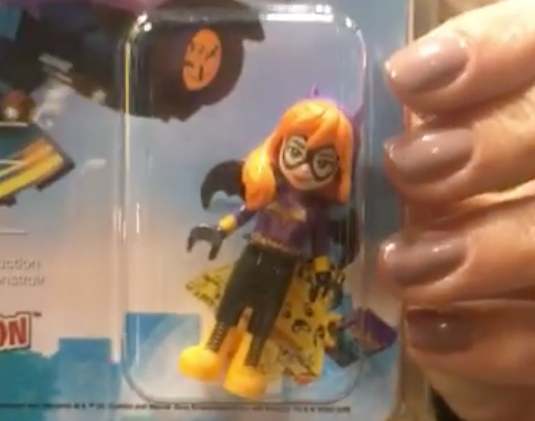 lego-dc-super-hero-girls-exclusive-nycc-bat-girl