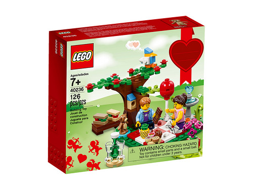 lego-seasonal-romantic-valentine-picnic-40236
