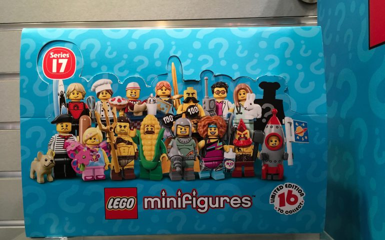 Collectible Minifigures 17