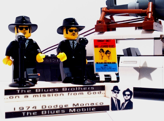 lego-ideas-the-blues-mobile-1